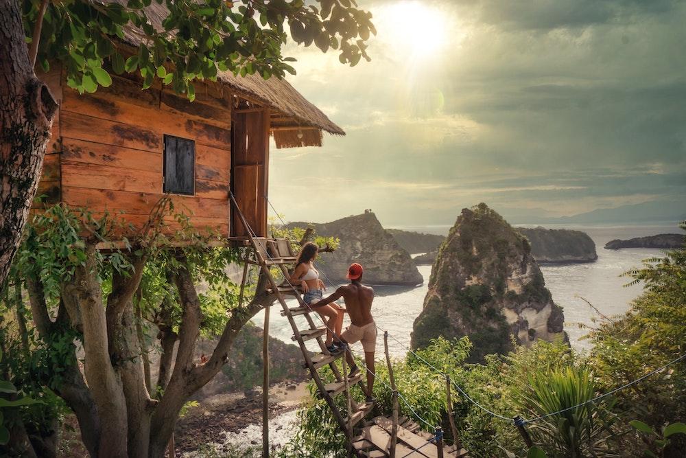 Glamping - Baumhaus mit Blick aufs Meer